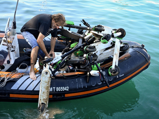 Scooter Recovery in Marseille (Gerard Julien/AFP/Getty Images)