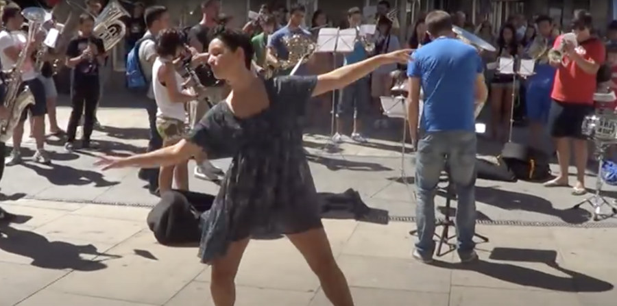 Street music and dancing